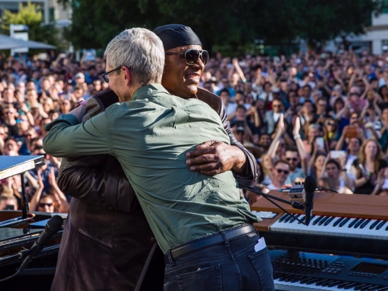 Stevie Wonder en vedette chez Apple pour la journée de l