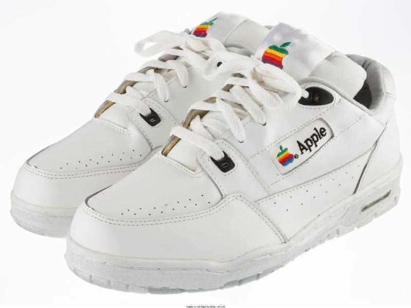 15000$ la paire de pompes Apple
