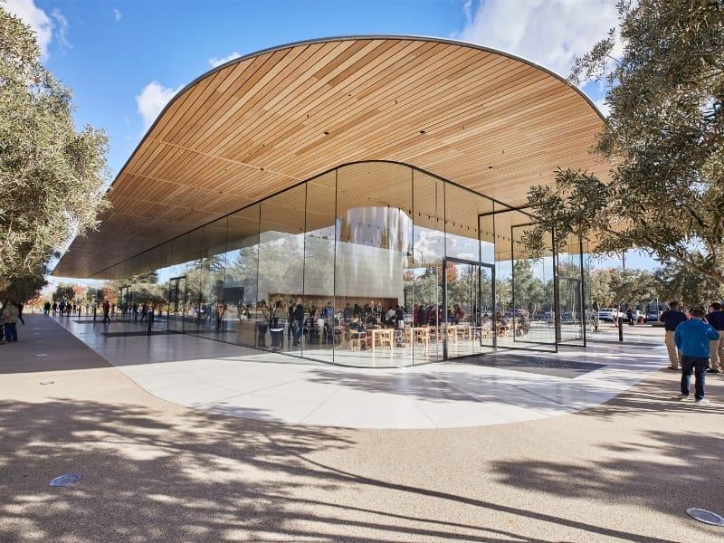Apple Park : le Visitor Center accueille ses premiers fans