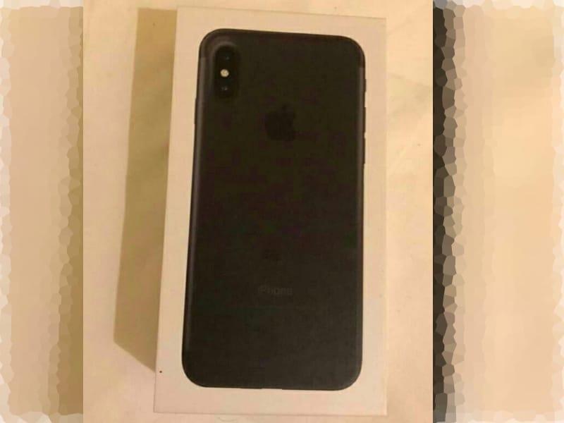 Un emballage d'iPhone 8 qui emballe moyen