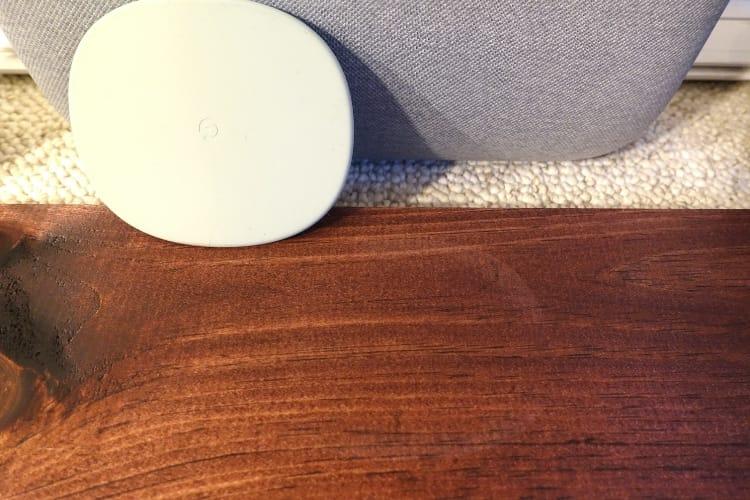 Après le HomePod et le Sonos One, au tour du Google Home Max de marquer les meubles