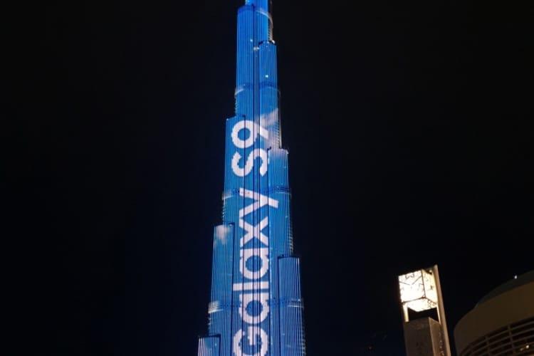 Image en galerie : Du GalaxyS9 plein les yeux depuis l'Apple Store de Dubai