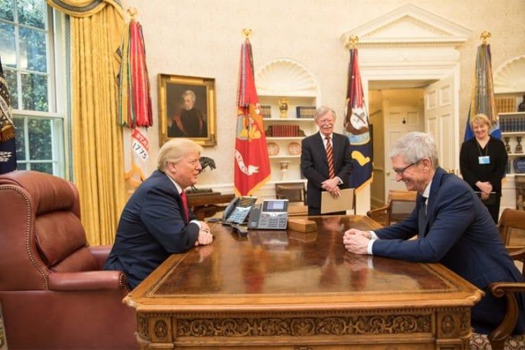 image en galerie : À la Maison Blanche, la détente entre Tim Cook et Donald Trump