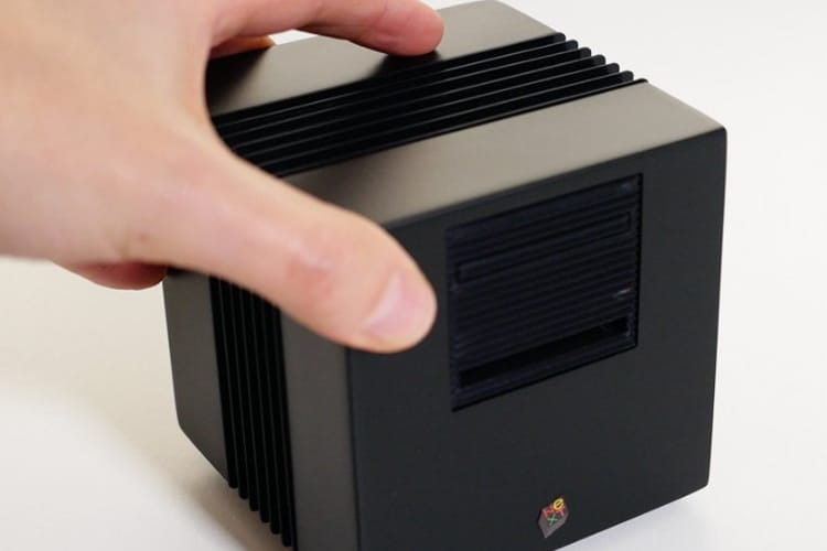 video en galerie : Cachez votre Raspberry Pi dans une mini station NeXT