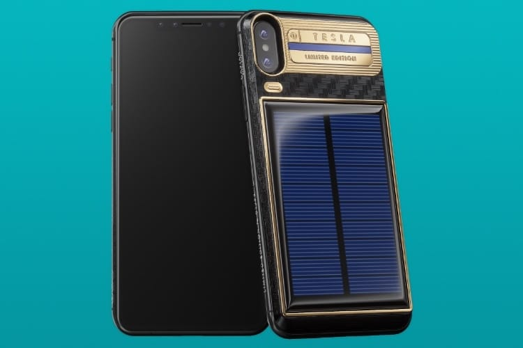 video en galerie : L'iPhone X Tesla se recharge au soleil et coûte très cher