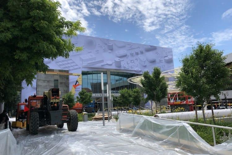 image en galerie : WWDC 2018 : le Convention Center de San Jose est presque prêt