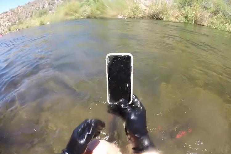 video en galerie : Cet iPhoneX a résisté deux semaines au fond d'une rivière