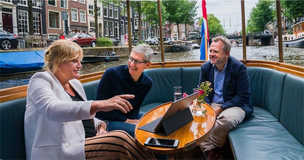 Tim Cook en déplacement à Amsterdam