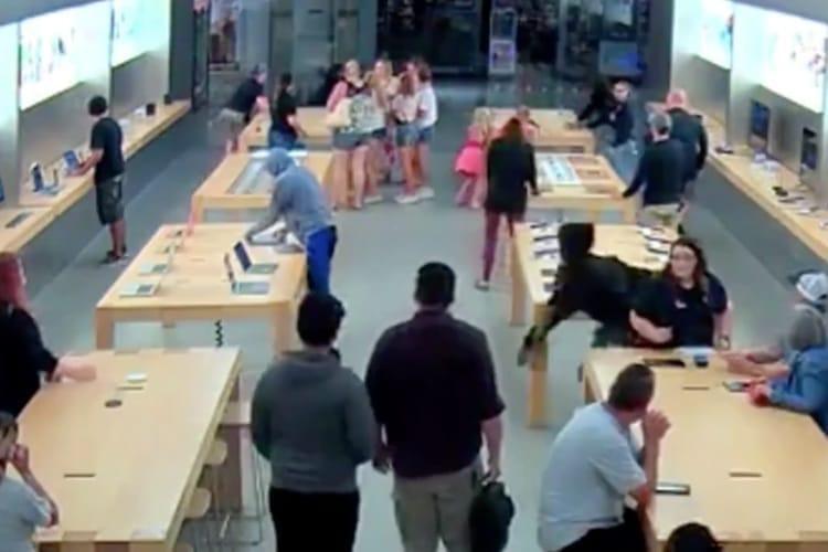 video en galerie : Casse spectaculaire dans un Apple Store californien: 26 produits volés en moins de 30 secondes