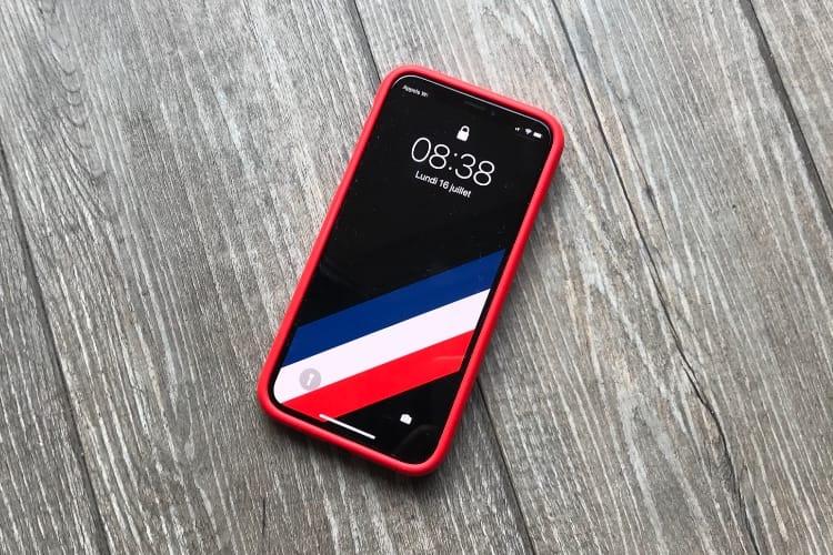 Avec ce fond d'écran, l'iPhone X est prêt à célébrer la victoire des Bleus ⭐️⭐️