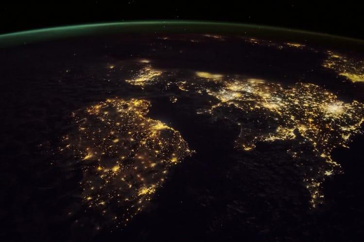 tvOS 12 : les économiseurs d'écran aériens depuis l'espace sont spectaculaires