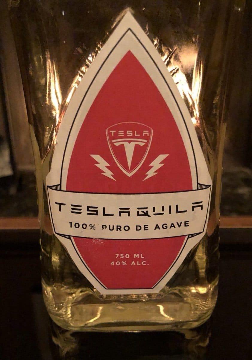 Sans modération, Elon Musk se lance dans le business de l'alcool avec Teslaquila