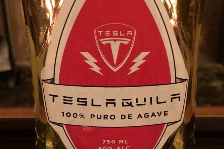 image en galerie : Sans modération, Elon Musk se lance dans le business de l'alcool avec Teslaquila
