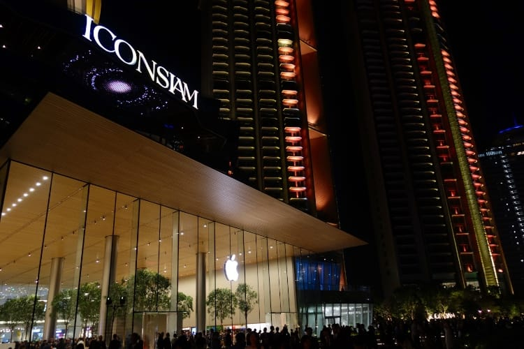 Faste pour le nouvel Apple Store Iconsiam de Bangkok