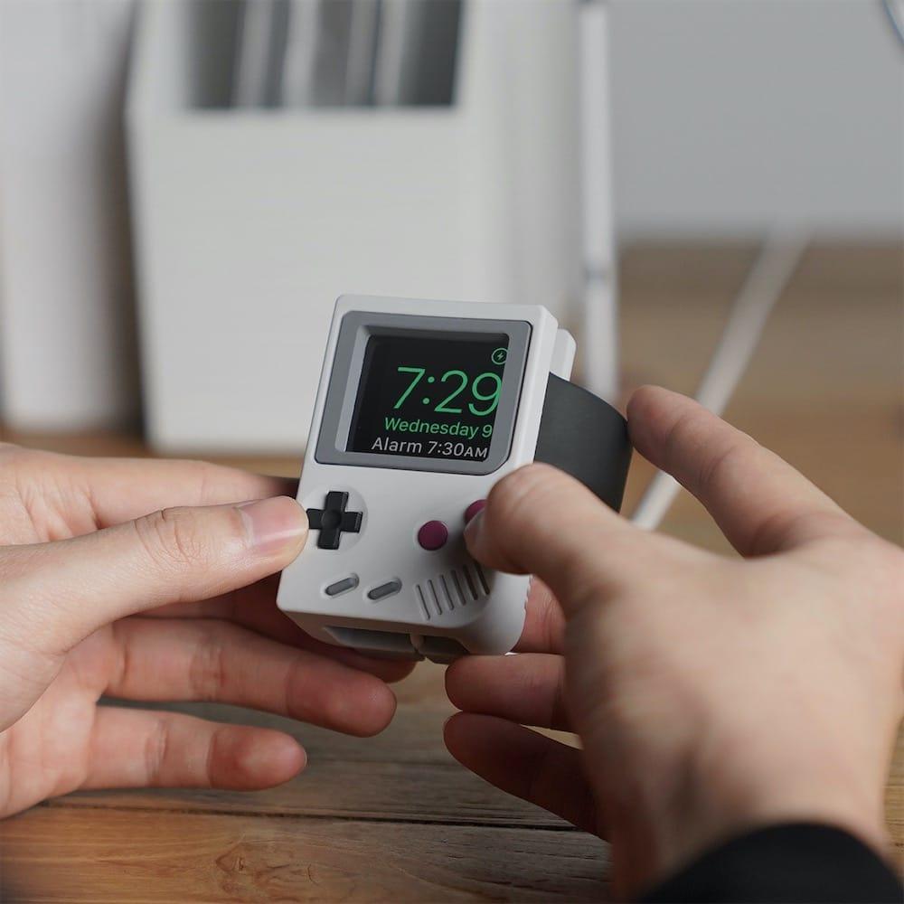 Game Boy, Apple Watch, ou les deux
