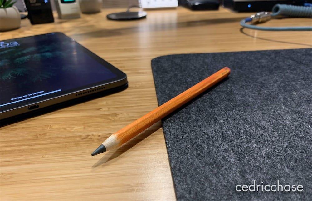 Derrière ce crayon de bois se cache un Apple Pencil