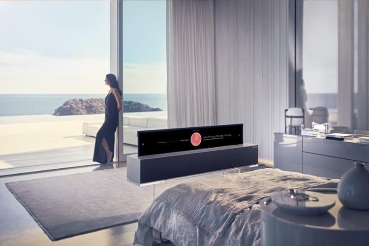 video en galerie : La télé enroulable de LG en roue libre